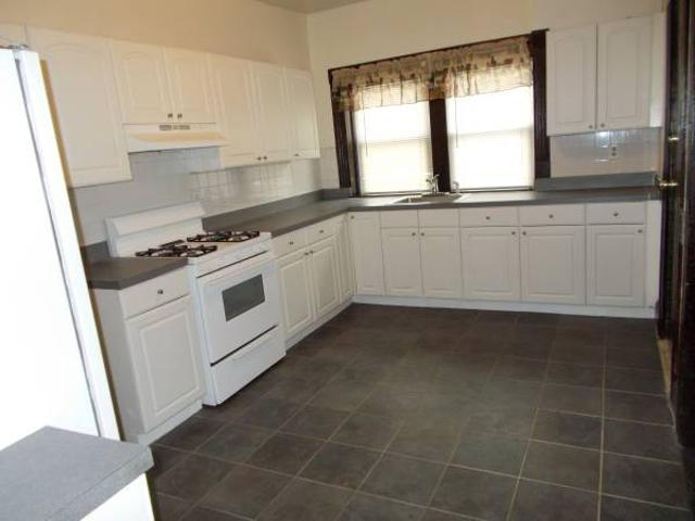Newly Remodele Very Big 3br Apartment In The Brick House Bridgeport