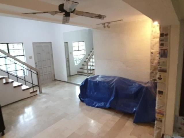 Newly Renovated 4 Bedroom Townhouse In Addition Hills