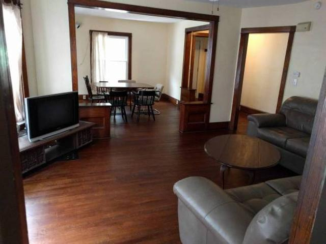 Nice Grad Rooms With Lots Of Shared Space, Free Laundry Ithaca Collegetown