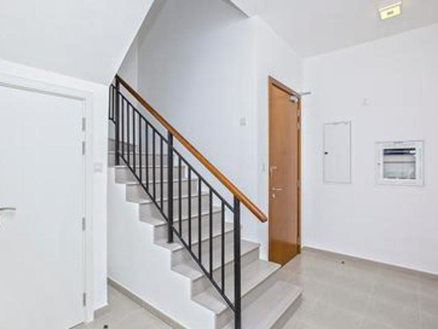Nice Layout |ready Townhouse | Call To View