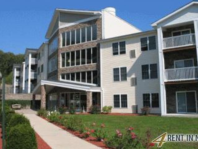 Norwich You Will Find Two Bedrooms With Sleek Wood Floors At Norwich's Newest. Parking Ava...