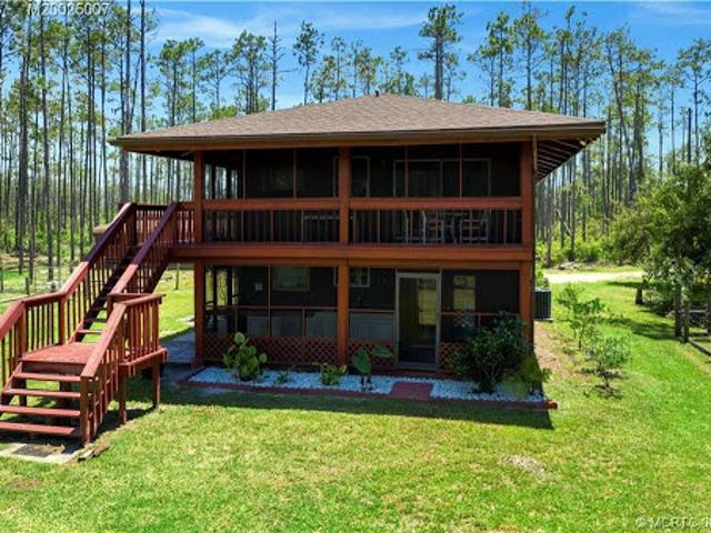 Okeechobee Three Br, Loads Of Possibilities With This Two Story