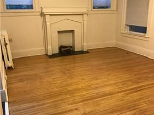 One Bedroom Apartment Uptown