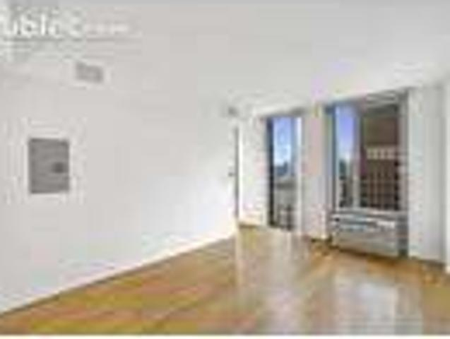 One Br In Kings Ny 11201