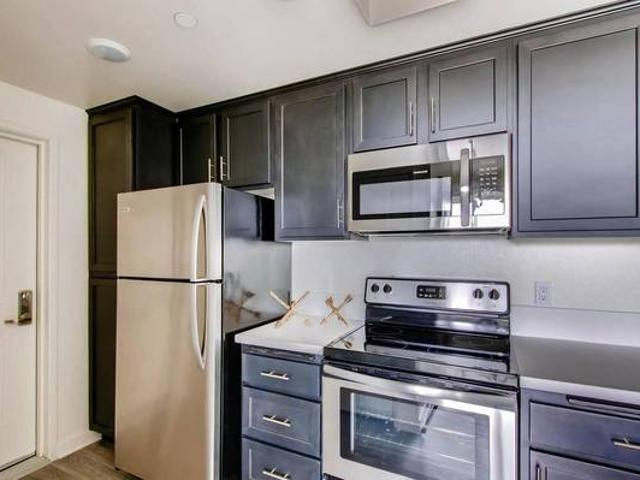 Open Concept And Modern 2 Bedroom In The Heart Of It All Scripps Ranch