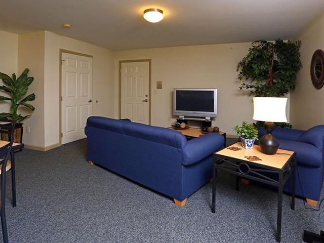 Park Place Collegiate Housing 70 Brigham Rd, Fredonia, Ny 14063