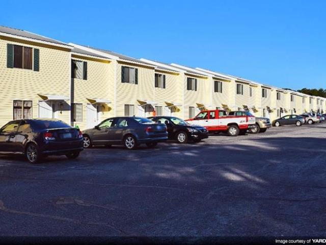 Parkview Estates Renovated 2 Bedroom 1.5 Bathroom Townhomes