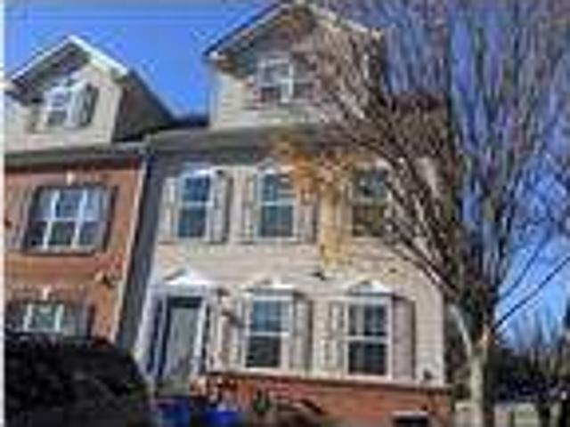 Perfect Dual Master Suite Th, End Unit Great Community