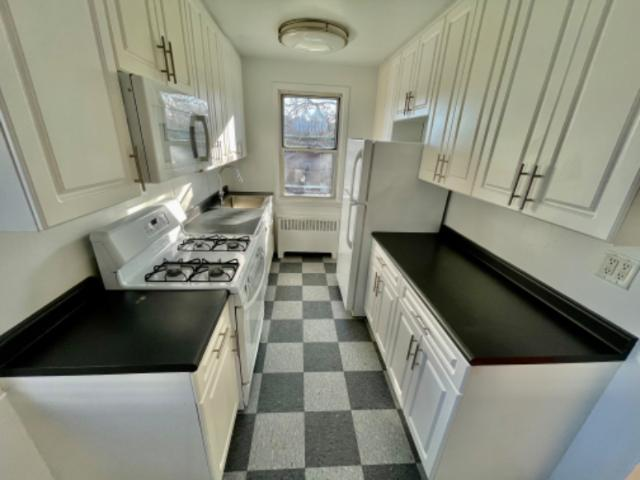 Pet Friendly 2 Bed Town Home In Tarrytown
