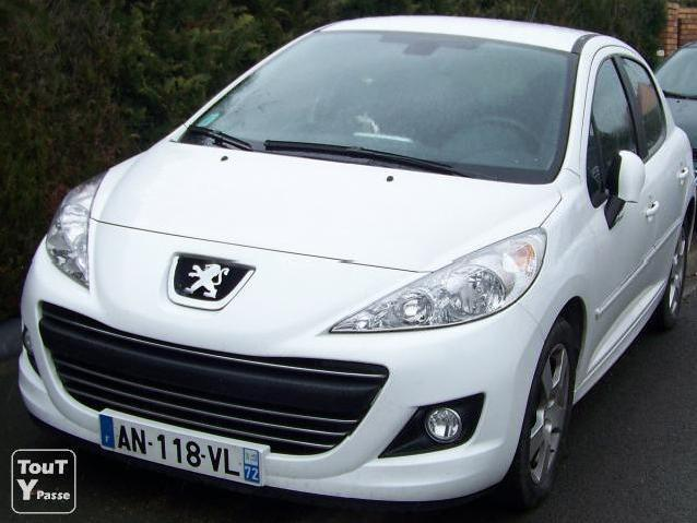 voitures occasion peugeot 207 hdi blanche mitula voiture. Black Bedroom Furniture Sets. Home Design Ideas