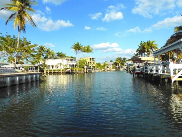 Pine Island Rare Waterfront One Story Cbs ! This 3/2 Gem Is A Boater's Dream! Ideally Loca...