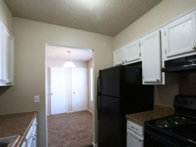 Pine Terrace 3 Bedroom Apartment For Rent At 315 Southeast Warwick Way, Lawton, Ok 73501