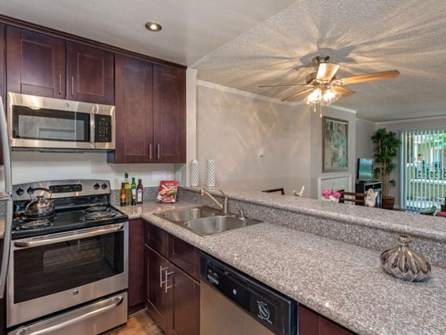 Playa Pacifica Apartments Two Bedroom With Den
