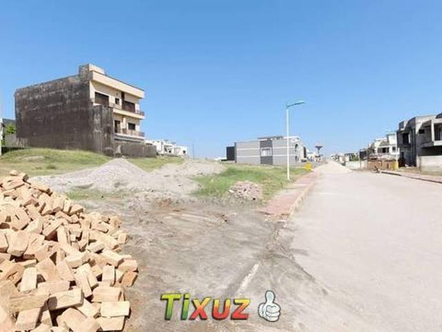 Plot For Sale In Bahria Town Phase 8 Block B