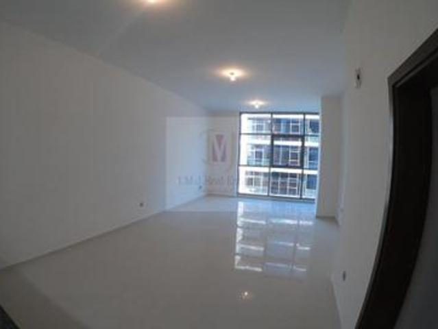 Pool View   1br With Balcony   Vacant
