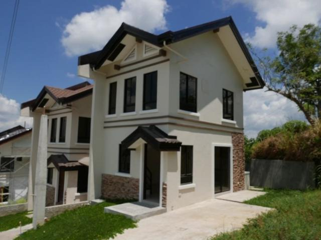 Pre Selling Town House In Tagaytay