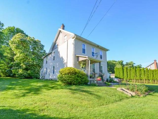 Price Reduced $239,900great Value In This Vera Cruz Two Story Home Emmaus, Pa