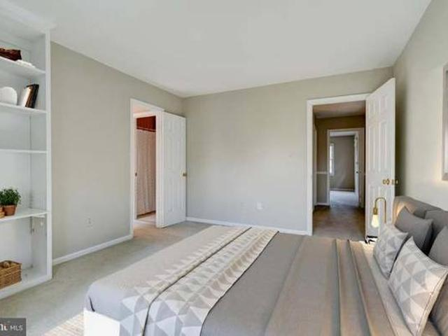 Private Bedroom In A Beautiful Home Rose Hillalexandriafairfax County