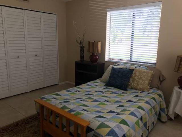 Private Room Bathroom In Quiet Apt. North Fort Myers