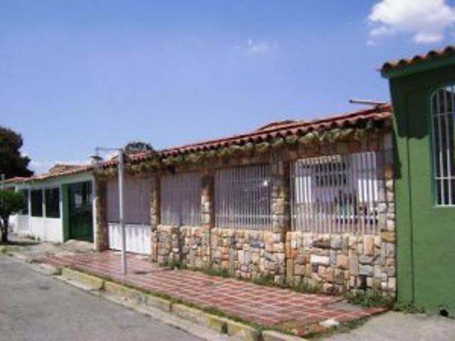 Quinta <strong>Bucaral</strong> Sur Valencia, Mls #12-1554