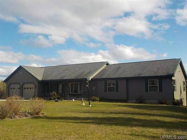 Ranch Style Home Set On 147 Rolling Acres Mls 1125338 Republic