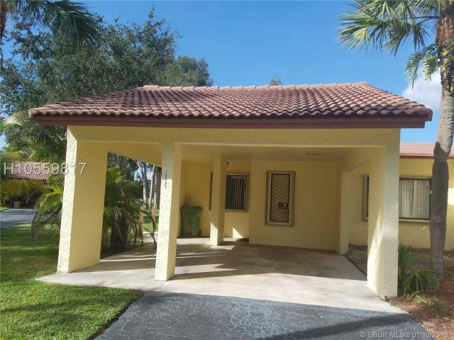 Rare Opportunity At Villas Of Bonaventure! Excellent Location And Amazing Golf View! This ...