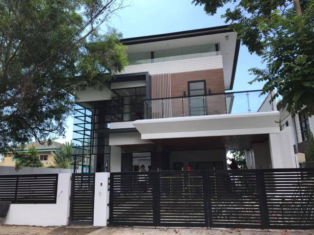 Ready For Occupancy 6 Bedroom Single Detached Panoramic View In Talisay City Cebu
