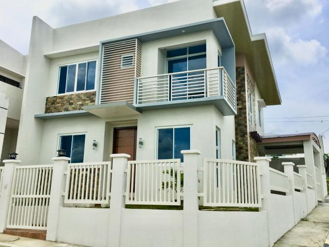 Ready For Occupancy Corner Unit With The Breathtaking View Of Mt. Makiling