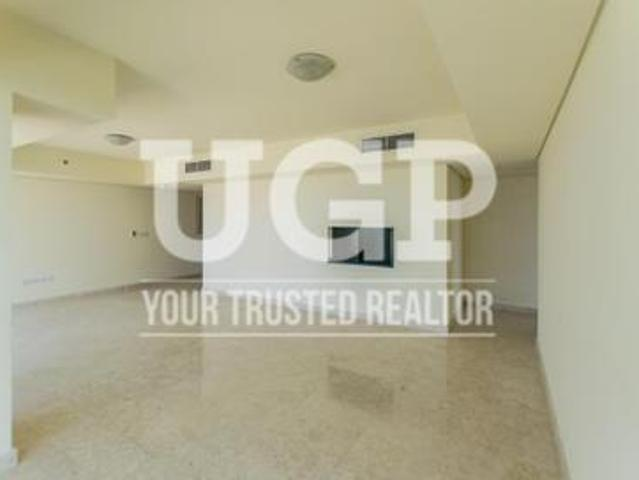 Reduced Price |big Layout Apartment With Maids Rm