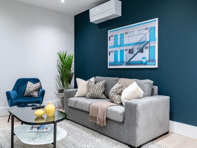 Remarkable 1 Br Flat At Queensberry