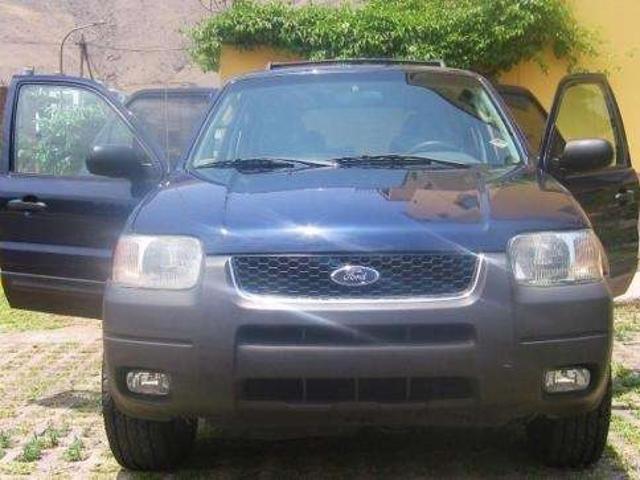 Remato Camioneta Ford Escape Xlt 2003 A $12,500