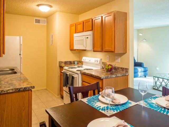 Renovated Club House, Sparkling Pool And Pet Park Aurora