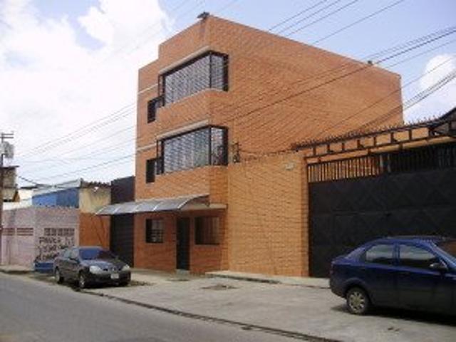 Rent A House Vende Edificio En La Candelaria Valencia