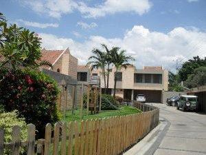 Rent A House Vende Townhouse En La Granja Mls#10 8847