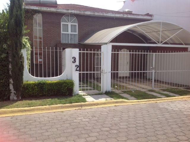 Renta Mensual De Casa En Condominio Con Jacuzzi Garage Techado