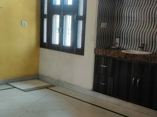 Rental | 2.5 Bhk 150 Sq.yd. Independent House In B Block