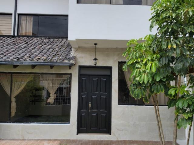Rento Hermosa Casa Colina Usd690.00