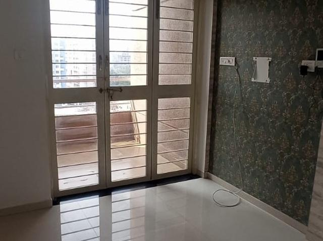 Resale   2 Bhk 1056 Sq.ft. Apartment In Ag West One