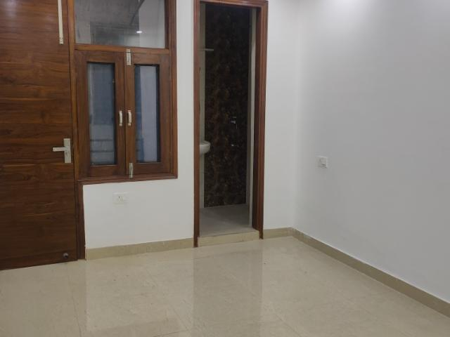 Resale | 3 Bhk 1350 Sq.ft. Independent House In Vasant Kunj