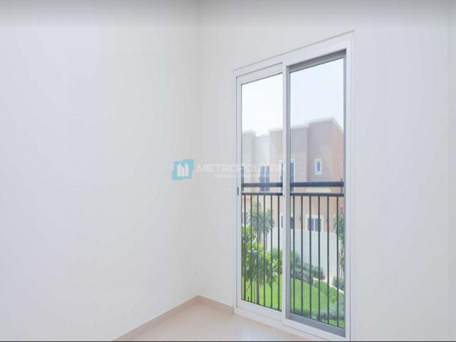 Resale | 3 Br 1894 Sq.ft. Townhouse In Amaranta