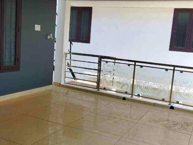 Resale | 4 Bhk 2100 Sq.ft. Villa In Chittilappilly