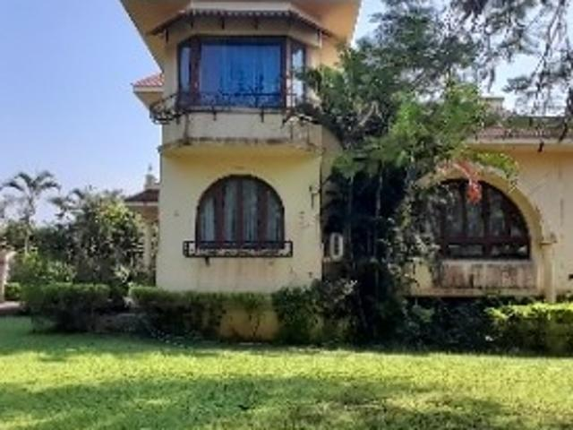 Resale | 4 Bhk + Pooja Room,servant Room,study Room 3000 Sq.ft. Independent House In Royal...