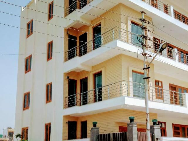 Resale   6+ Bhk + Pooja Room,servant Room,study Room 162 Sq.mt. Independent House In Rwa A...