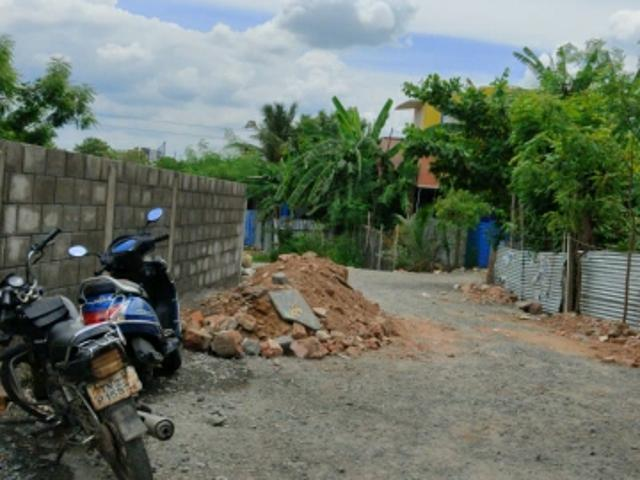 Resale   800 Sq.ft. Plot In Iyyappanthangal