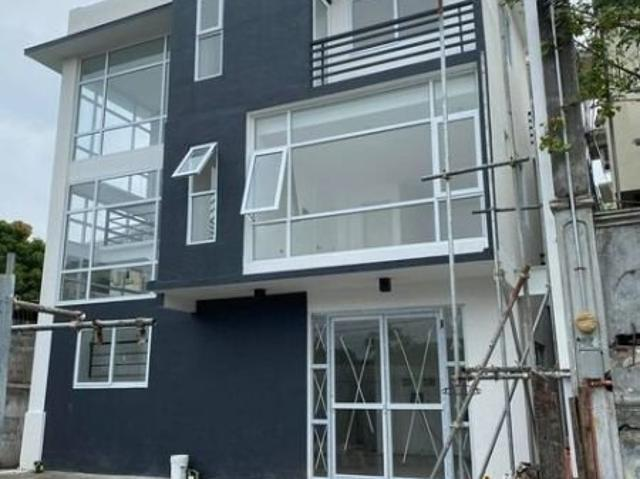 Residential Dormitory Building Near Feu Alabang For Sale!