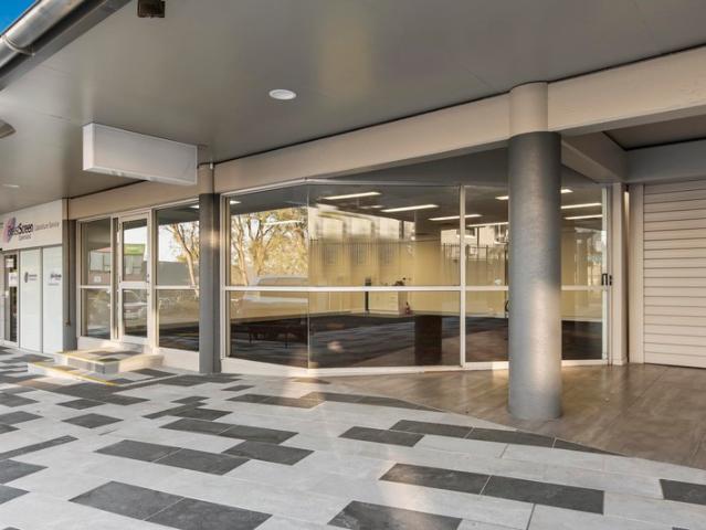 Retail Shop Excellent Exposure Main Street Frontage