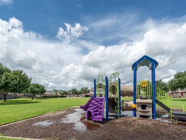 Retreat At Texas City 2 Bedroom Apartment For Rent At 7500 Emmett F Lowry Expy, Texas City...