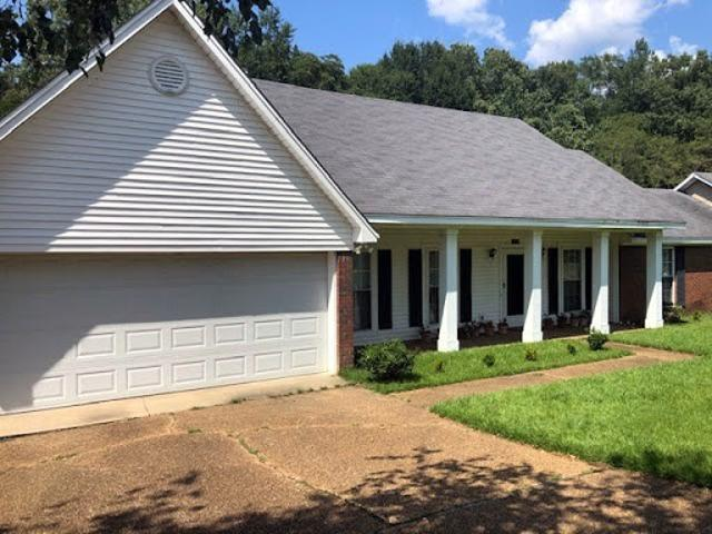 Ridgeland Three Br Two Ba, Quality Built One Owner Home Has Be