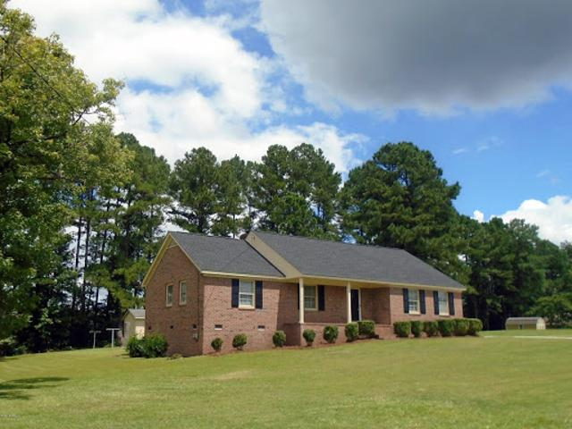 Rocky Mount Three Br Two Ba, Super Nice Brick Ranch Home With Hu