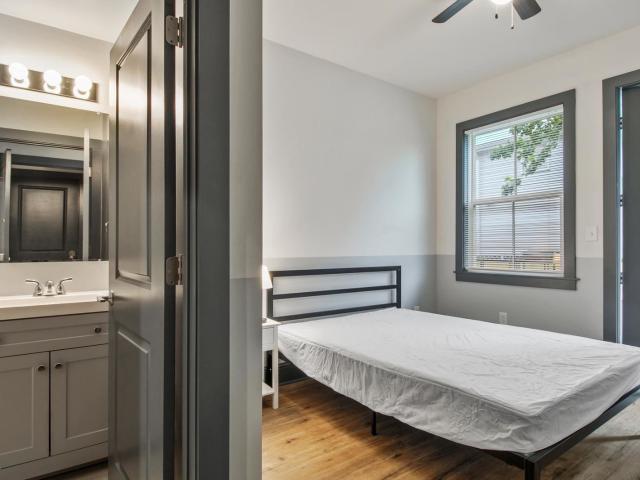 Room For Rent, 0 Bath Room For Rent Clara St & Second St, La Id.792